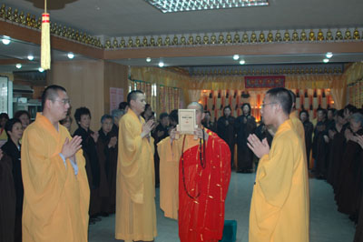 http://old.buddhism.org.hk/upload/editorfiles/2009.2.24_2.8.43_4564.jpg